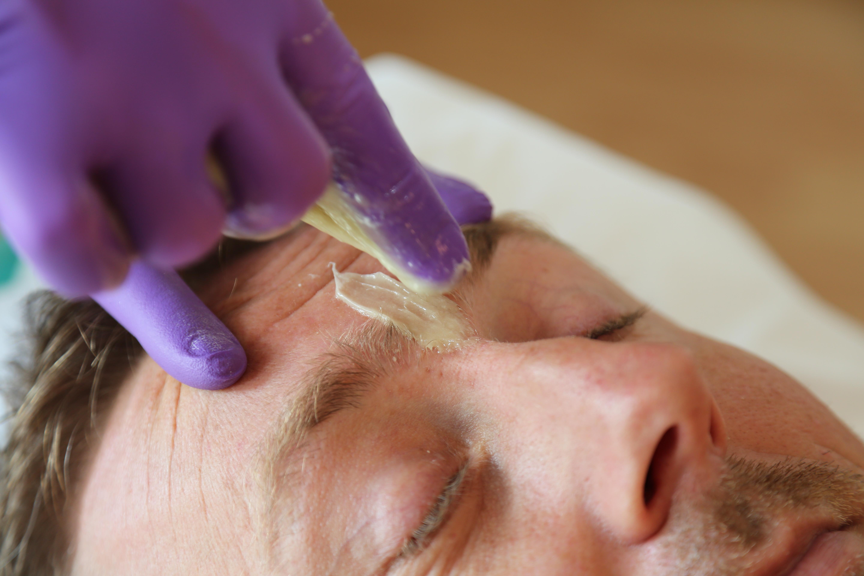 Sugaring Haarentfernung Männer Gesicht